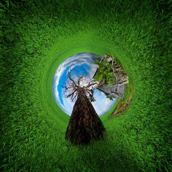 grass rounded world final web 598x600 Rounded world | Photoshop photo manipulation tutorial