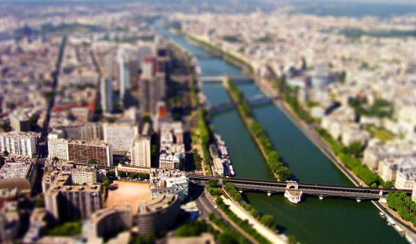 paris view 600x352 Tilt shift miniature effect tutorial